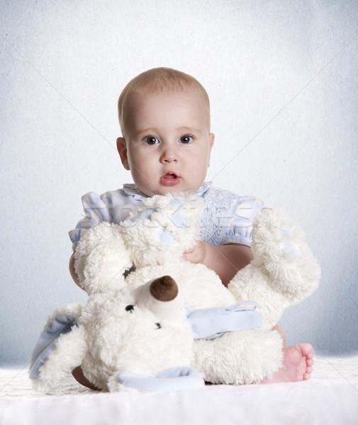 Foto stock: Ursinho · de · pelúcia · bebê · pequeno · criança · azul · retrato