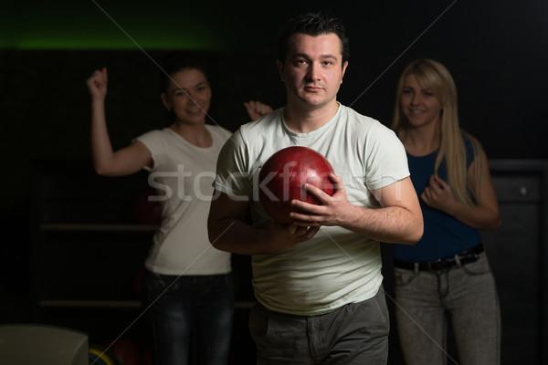 Znajomych bowling wraz sportu mężczyzn zabawy Zdjęcia stock © Jasminko