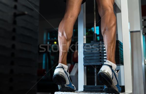 Trein benen kalveren oefening huid atleet Stockfoto © Jasminko