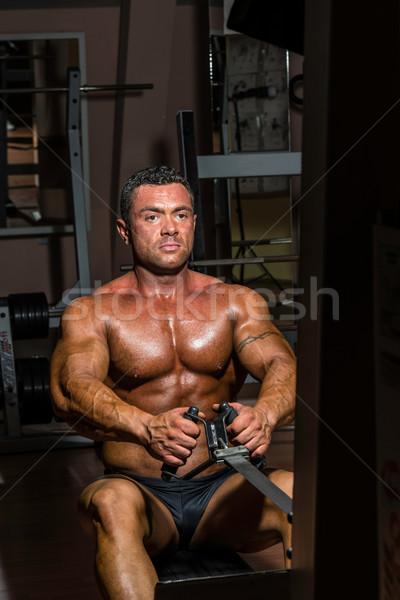 Masculino corpo construtor pesado peso exercer Foto stock © Jasminko