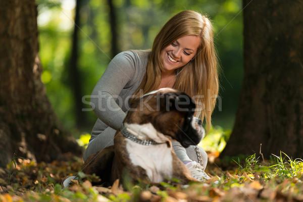 Nők boxoló erdő mosolyog férfi életstílus Stock fotó © Jasminko