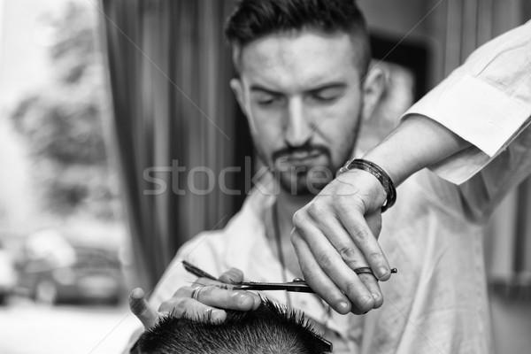 Kezek profi haj stylist jóképű fiatal Stock fotó © Jasminko