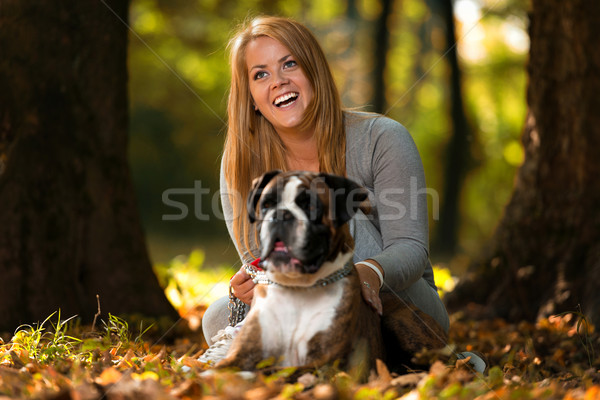 Melhor amigo mulheres floresta sorridente masculino estilo de vida Foto stock © Jasminko