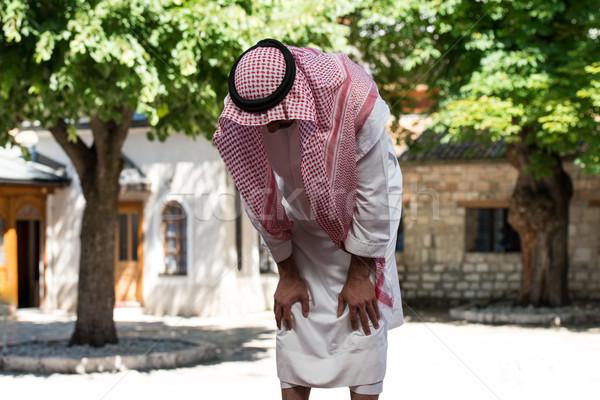 Modlitwy meczet młodych Muzułmanin człowiek Zdjęcia stock © Jasminko