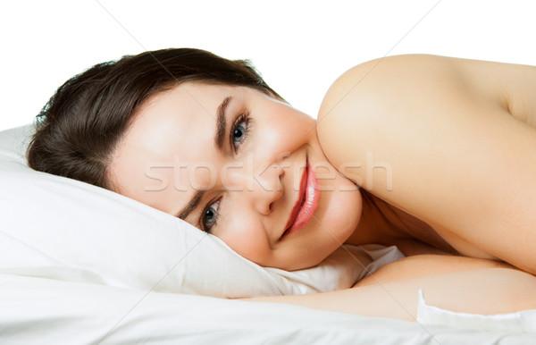 Conteúdo sorrindo cama belo feliz mulher Foto stock © jaykayl