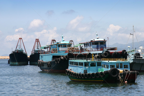 Pesca barcos Hong Kong azul agua buque Foto stock © jeayesy