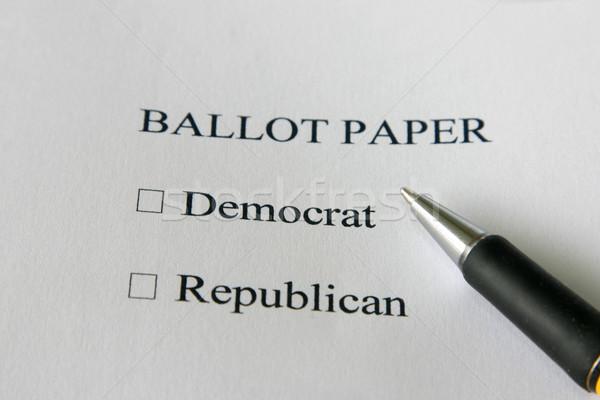 Foto stock: Democrata · republicano · cédula · papel · EUA · eleições