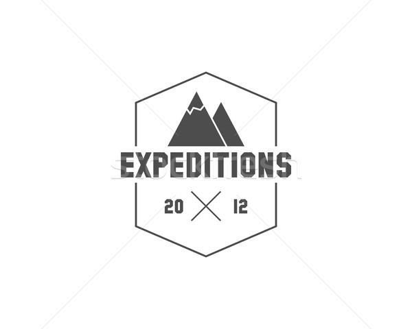 Vintage montana expedición camping placa aire libre Foto stock © JeksonGraphics