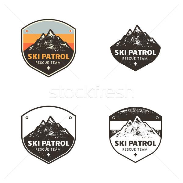 滑雪 俱樂部 標籤 復古 手工繪製 山 商業照片 © JeksonGraphics