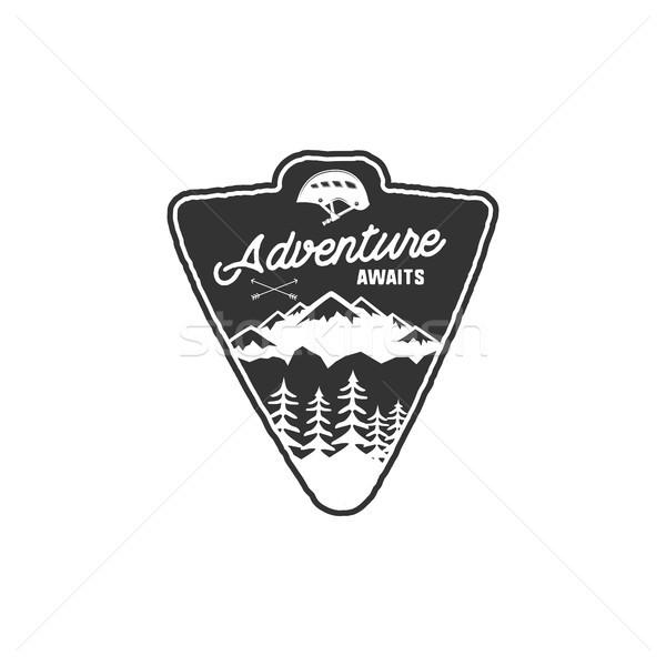 Vintage camping distintivo caminhadas etiqueta Foto stock © JeksonGraphics