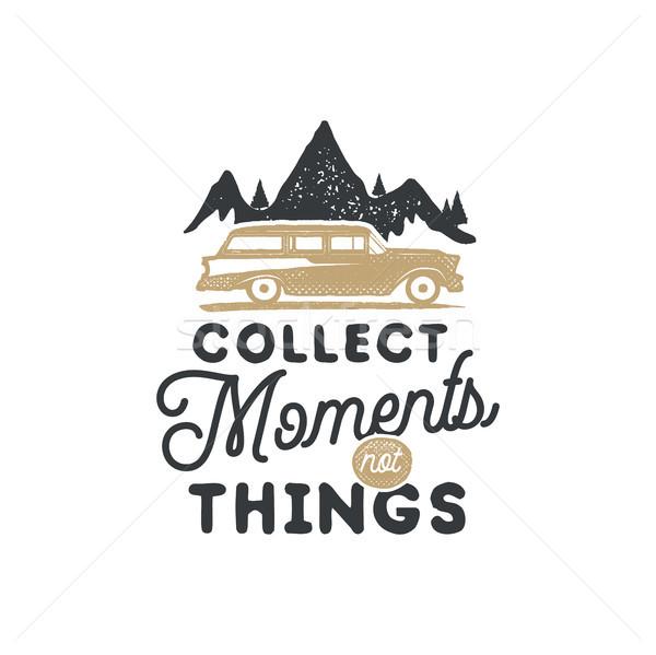 Vintage camping distintivo emblema caminhadas Foto stock © JeksonGraphics