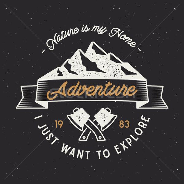 ヴィンテージ 冒険 ラベル 山 遠征 エンブレム ストックフォト © JeksonGraphics