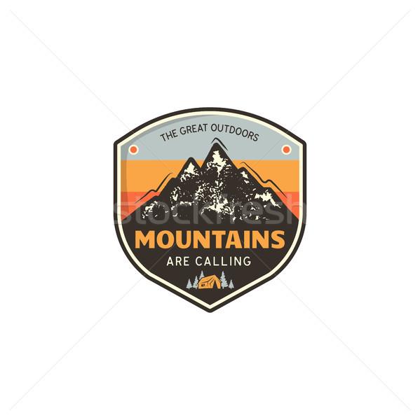 Seyahat logo tasarımı Retro renkler stil dağ Stok fotoğraf © JeksonGraphics