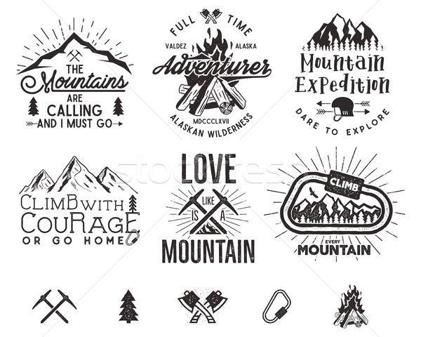 Set alpinismo etichette montagna spedizione vintage Foto d'archivio © JeksonGraphics