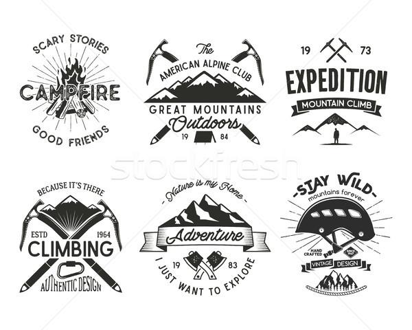 Bağbozumu dağcılık rozetler ayarlamak tırmanma logo Stok fotoğraf © JeksonGraphics