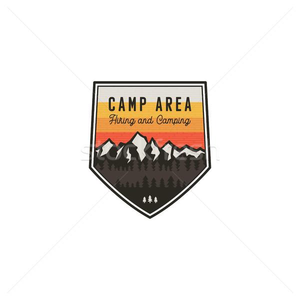 Kempingezés kirándulás klasszikus kitűző hegy felfedező Stock fotó © JeksonGraphics