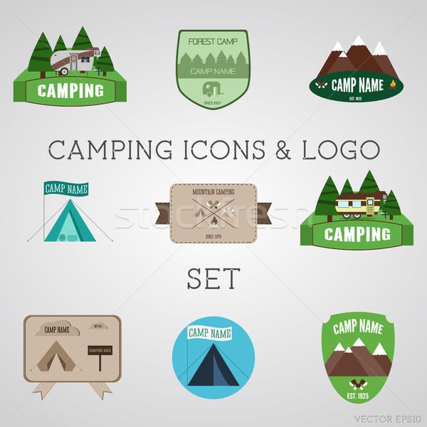 Conjunto ao ar livre aventura logotipo Foto stock © JeksonGraphics