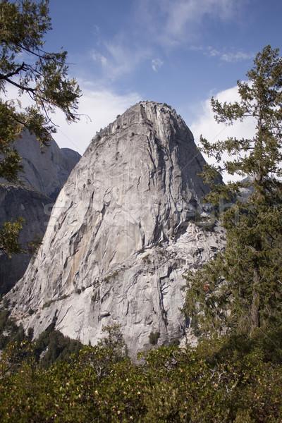 Yosemite Rock murs randonnée vacances vallée Photo stock © jeremywhat