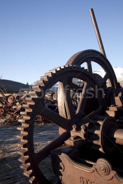 Velho rústico fazenda equipamento metal mecânico Foto stock © jeremywhat