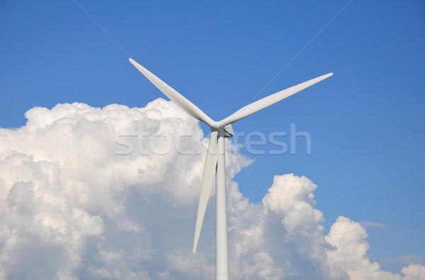 éolienne nuages ciel bleu paysage technologie domaine Photo stock © jezper
