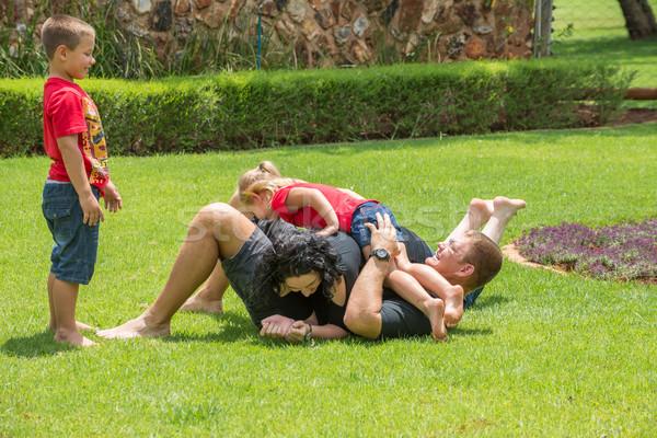 Nino viendo espera todo familia Foto stock © JFJacobsz