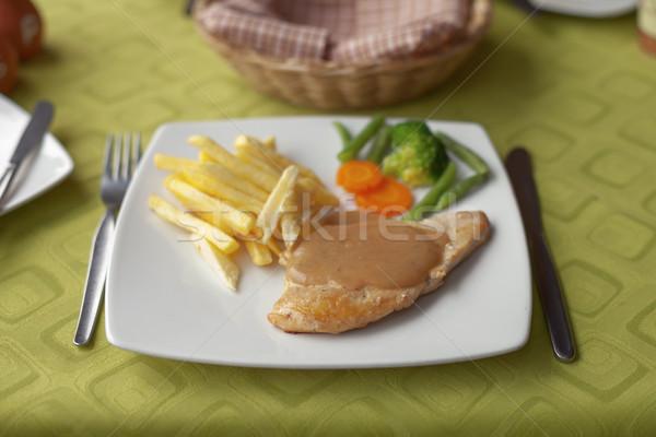 Grillowany kurczak sos frytki warzyw Sałatka tradycyjny Zdjęcia stock © jirivondrous