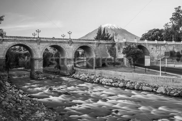 Eski şehir ikonik volkan çili nehir Stok fotoğraf © jirivondrous