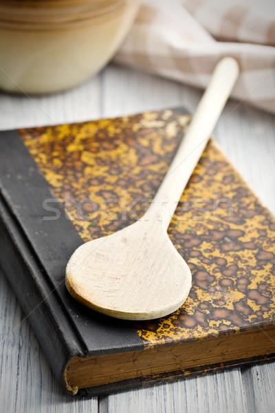 Foto stock: Edad · receta · libro · mesa · de · madera · alimentos · madera