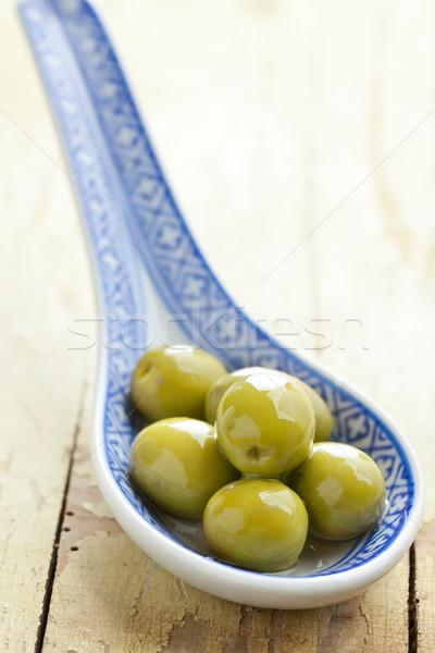 Foto stock: Verde · azeitonas · cerâmico · colher · velho · tabela