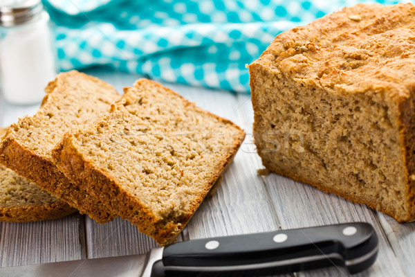 Házi készítésű teljes kiőrlésű kenyér szeletel kenyér búza reggeli Stock fotó © jirkaejc