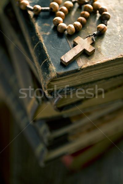 Alten Pfund Rosenkranz Perlen Kreuz Stock foto © jirkaejc