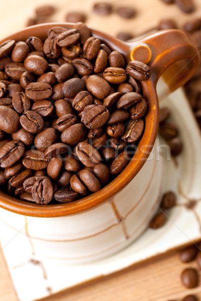Stok fotoğraf: Kahve · çekirdekleri · seramik · fincan · fotoğraf · atış · içmek
