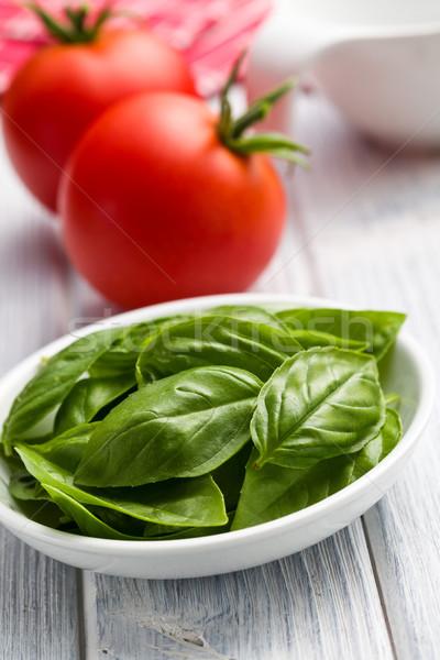 свежие базилик листьев помидоров кухне Сток-фото © jirkaejc