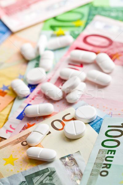 Stockfoto: Pillen · euro · bankbiljetten · business · gezondheid · geneeskunde