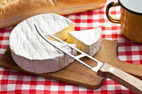 Camembert queso mesa de cocina alimentos fondo vida Foto stock © jirkaejc