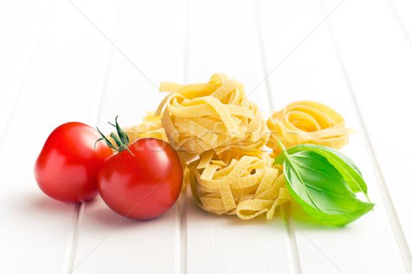 イタリア語 パスタ タリアテーレ トマト バジル 葉 ストックフォト © jirkaejc