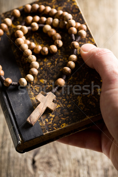 Bible chapelet perles papier livre Photo stock © jirkaejc