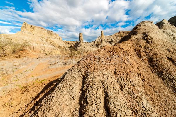 Taş sütunlar çöl görmek gökyüzü doğa Stok fotoğraf © jkraft5
