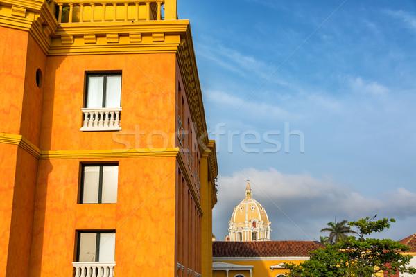 Templom kupola narancs gyarmati épület égbolt Stock fotó © jkraft5
