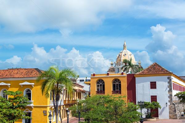 Kolonialny budynków kościoła historyczny centrum ulicy Zdjęcia stock © jkraft5