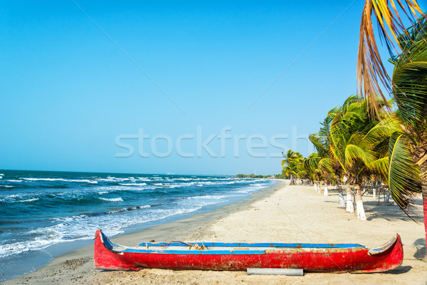 Strand Rood kano wit zand caribbean voorgrond Stockfoto © jkraft5