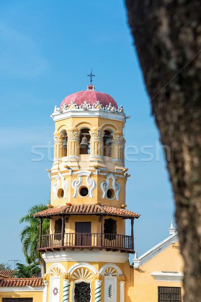 Kilise sarı kule şehir sokak Stok fotoğraf © jkraft5