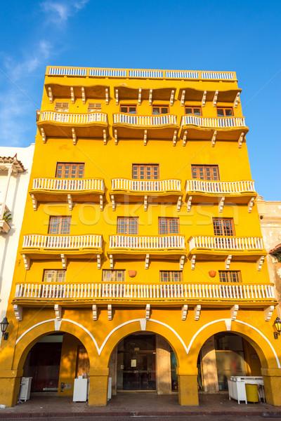 żółty kolonialny architektury budynku historyczny Zdjęcia stock © jkraft5