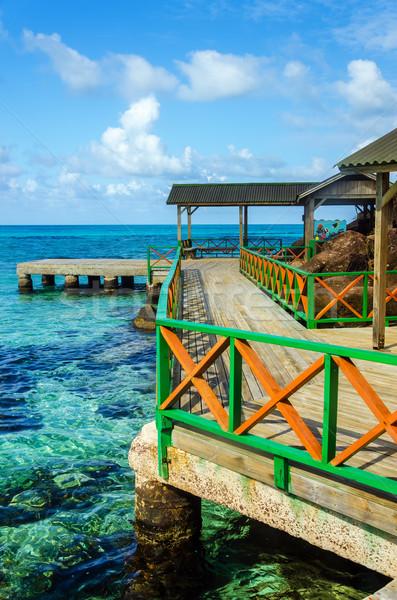Quai tropicales eau coloré Caraïbes bois Photo stock © jkraft5