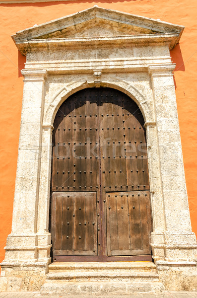 Kilise kapı büyük ahşap Bina Stok fotoğraf © jkraft5