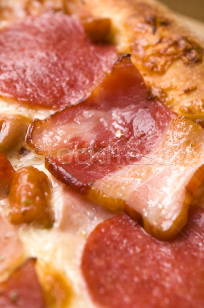Italiano pizza bacon salame queijo Foto stock © joannawnuk