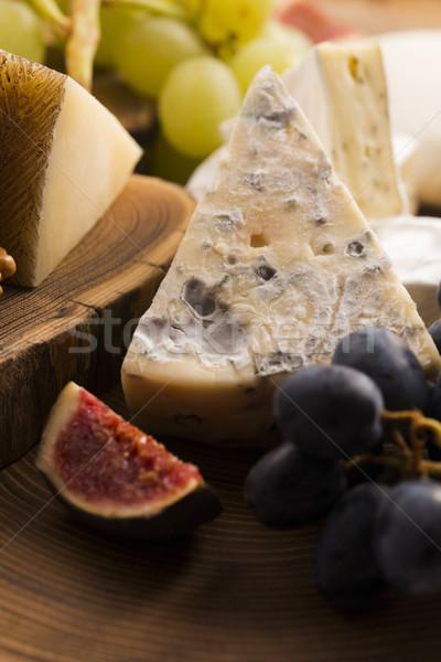 Válogatás sajt gyümölcsök szőlő gyümölcs étterem Stock fotó © joannawnuk