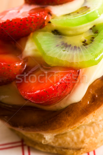 Photo stock: Français · gâteau · fraîches · fruits · restaurant · rouge