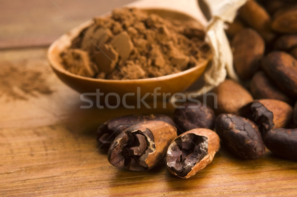 Kakao fasulye doğal ahşap masa çikolata mutfak Stok fotoğraf © joannawnuk