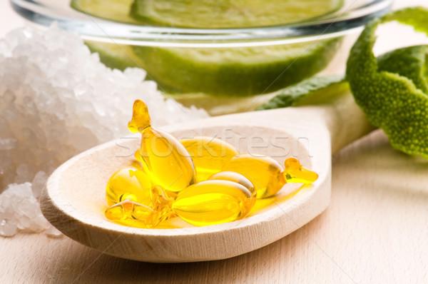 Limón bano cápsula frescos frutas Foto stock © joannawnuk